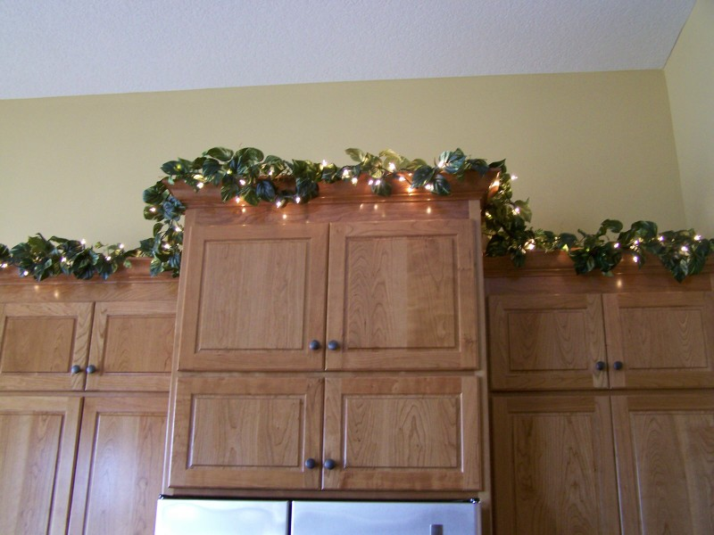 String Lights Above Kitchen Cabinets : Zotz Electrical - Faux Ivy Mixed With White Light String